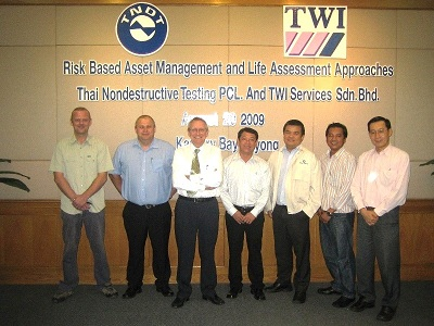 TWI's Brian Cane and Ian Partridge with members from Thai Non Destructive Testing pcl